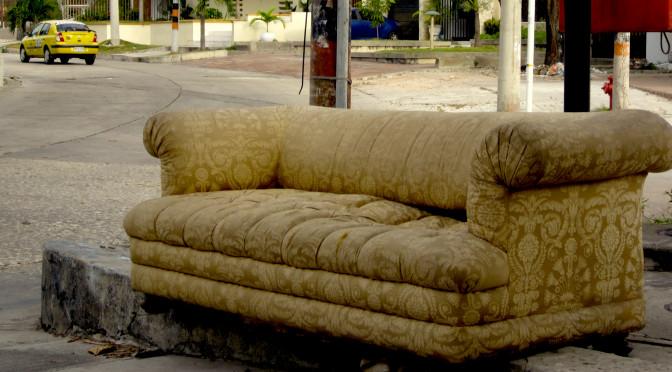 sofá en la calle, urbano, Barranquilla